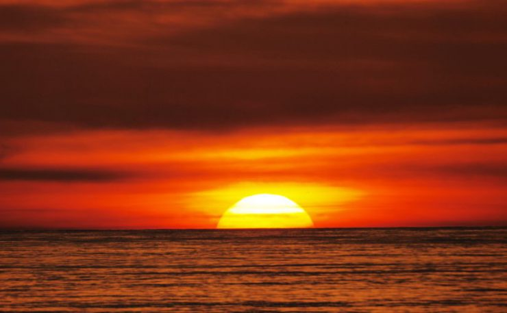 宮古島の11月~12月は夕陽がとてもキレイに映える時期です♪